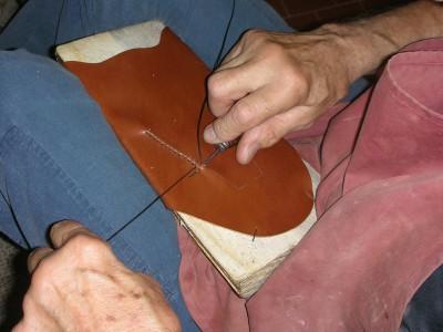 lavorazione scarpe artigianali