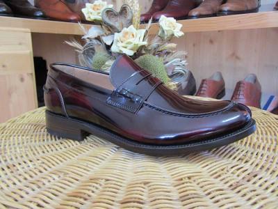 Riparazione scarpe di nostra produzione